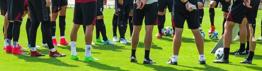 Beine eines Bundesliga-Teams